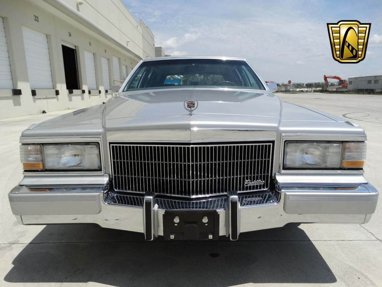 Large Picture of 1990 Cadillac Brougham - $22,595.00 - L2WV
