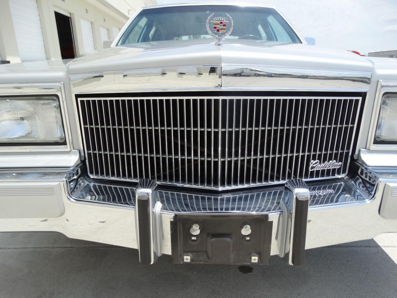 Large Picture of 1990 Cadillac Brougham located in Coral Springs Florida Offered by Gateway Classic Cars - Fort Lauderdale - L2WV