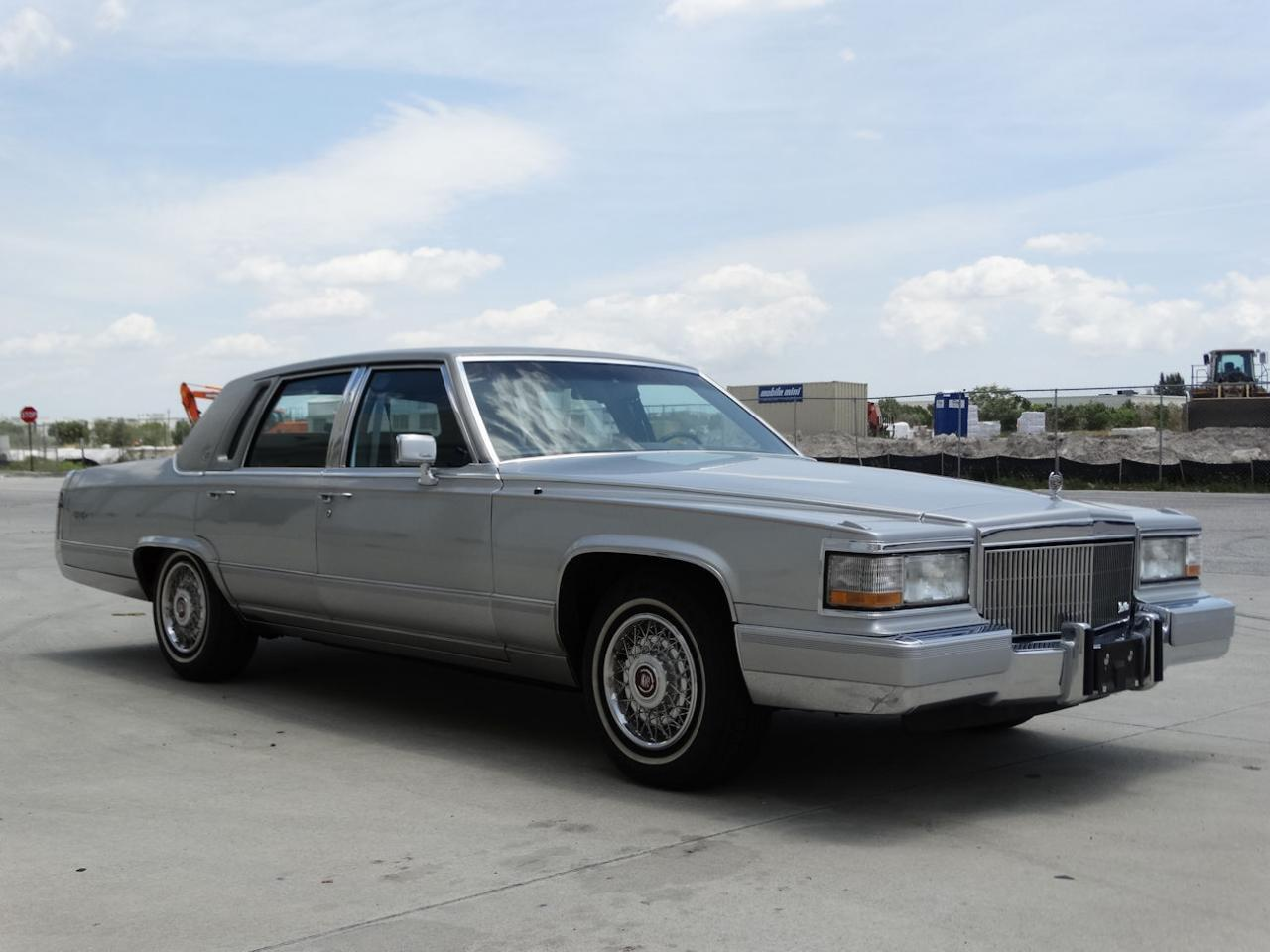Large Picture of '90 Cadillac Brougham located in Florida - $22,595.00 - L2WV