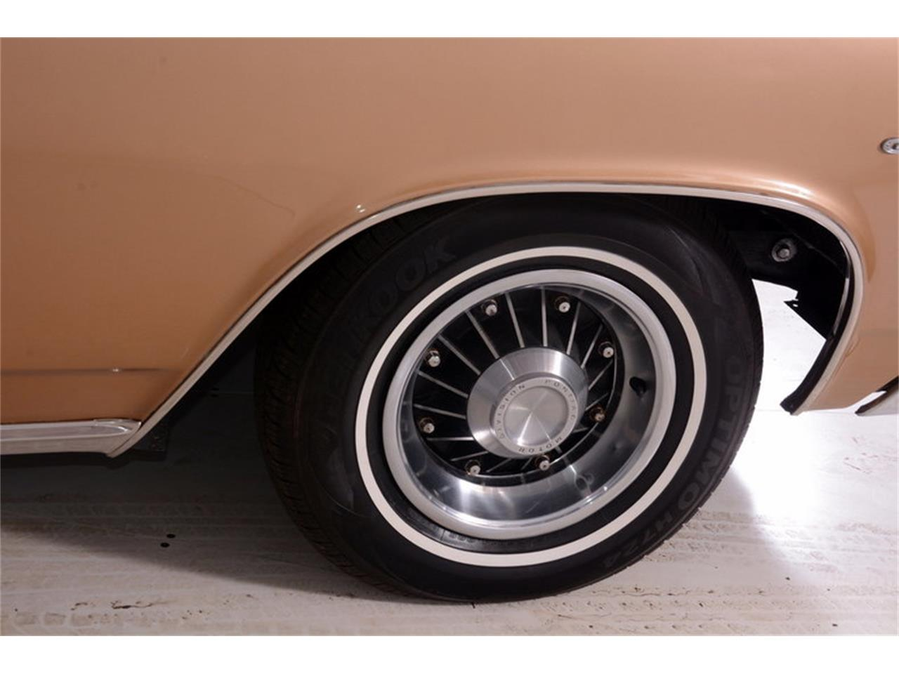 Large Picture of '63 Grand Prix - $24,998.00 Offered by Volo Auto Museum - L30D