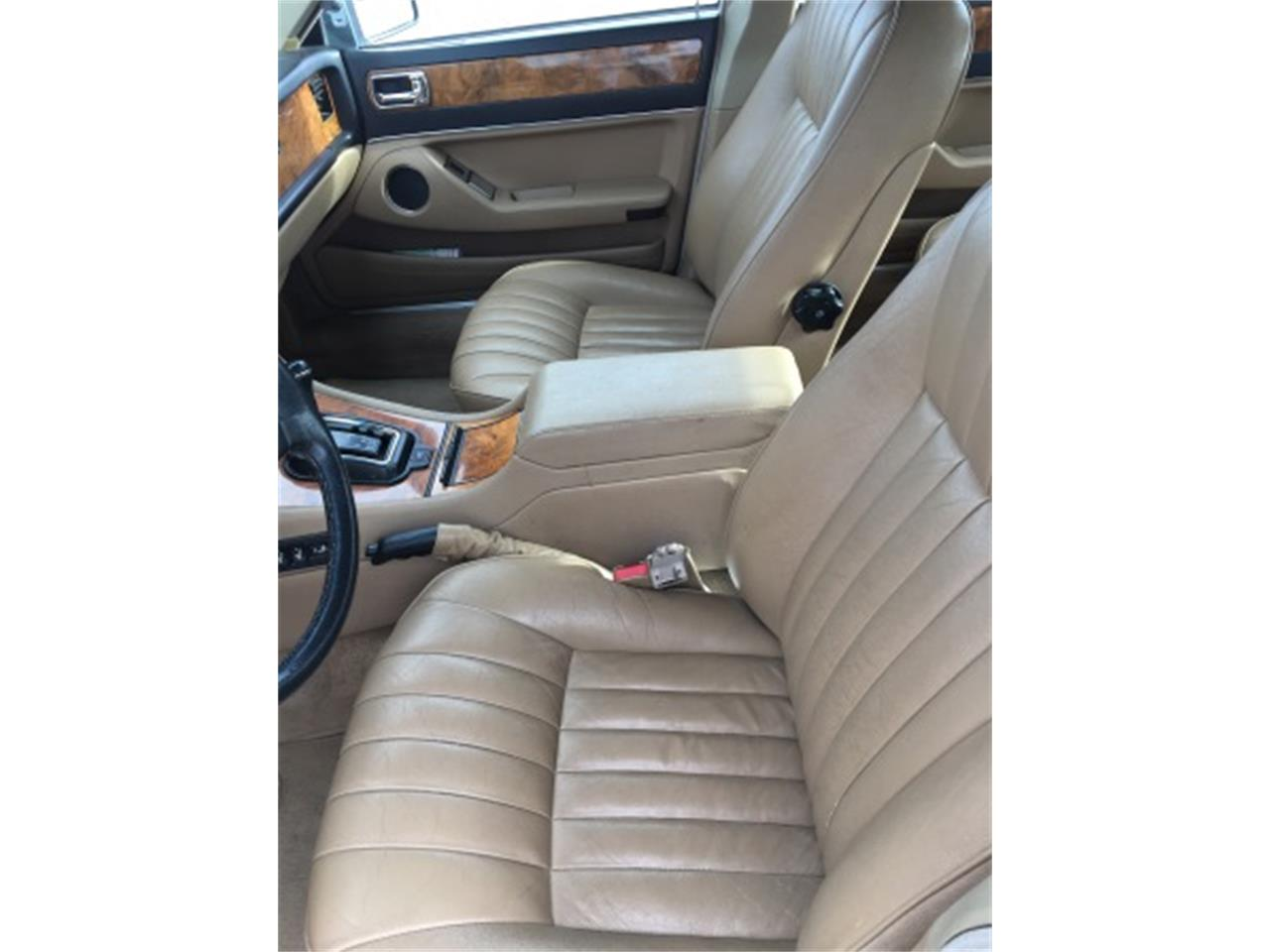 Large Picture of '91 Jaguar XJ6 located in Lusk Wyoming - $1,500.00 - L3B6
