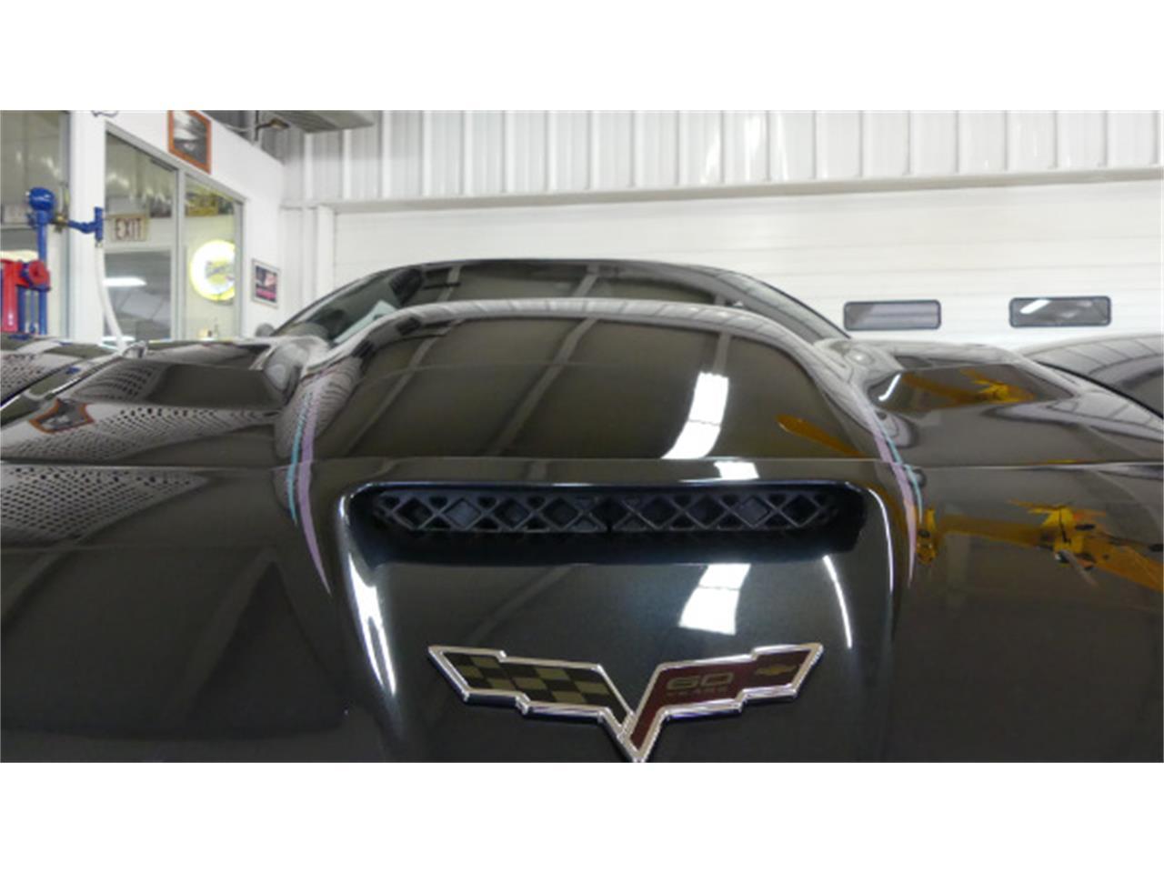 Large Picture of 2013 Chevrolet Corvette - L3E0