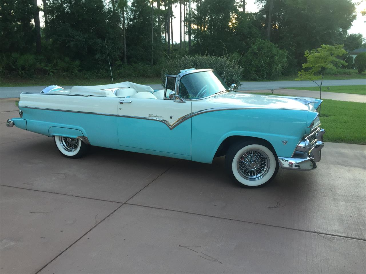 Large Picture of Classic '55 Ford Sunliner Offered by a Private Seller - L3IT