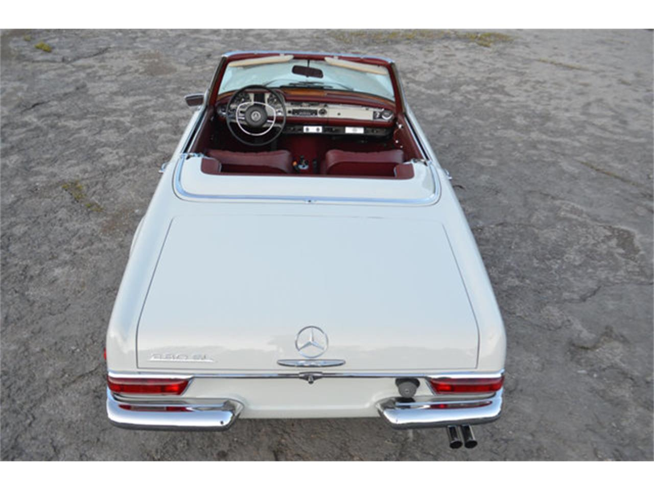 Large Picture of '69 Mercedes-Benz 280SL Offered by Frazier Motor Car Company - L3NH