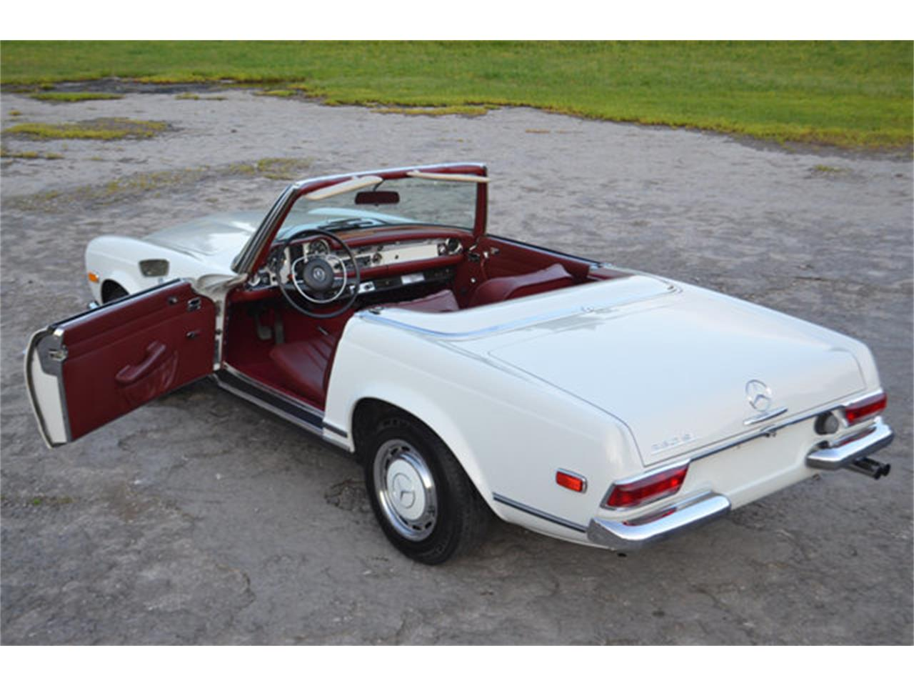 Large Picture of Classic '69 280SL - $88,500.00 Offered by Frazier Motor Car Company - L3NH