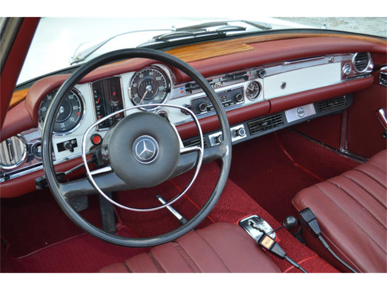 Large Picture of Classic 1969 Mercedes-Benz 280SL Offered by Frazier Motor Car Company - L3NH