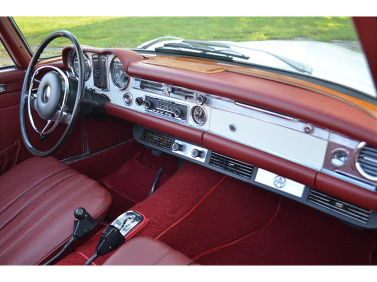 Large Picture of Classic '69 280SL located in Tennessee Offered by Frazier Motor Car Company - L3NH