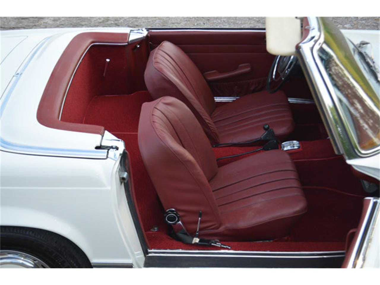 Large Picture of 1969 Mercedes-Benz 280SL located in Lebanon Tennessee Offered by Frazier Motor Car Company - L3NH