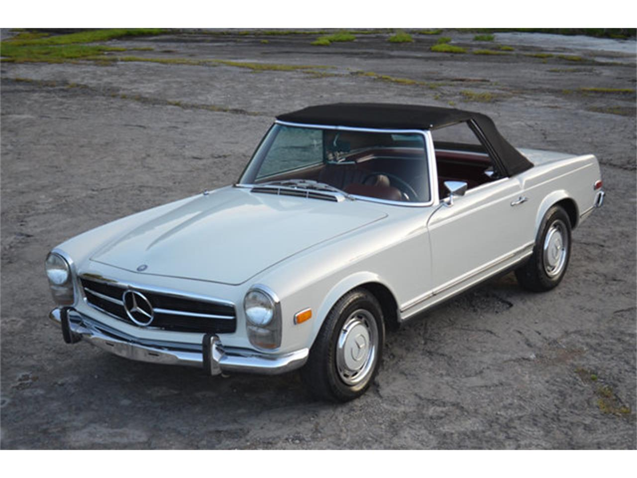 Large Picture of Classic 1969 280SL located in Lebanon Tennessee - $88,500.00 - L3NH