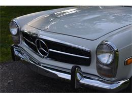 Picture of Classic 1969 280SL located in Tennessee - $88,500.00 Offered by Frazier Motor Car Company - L3NH
