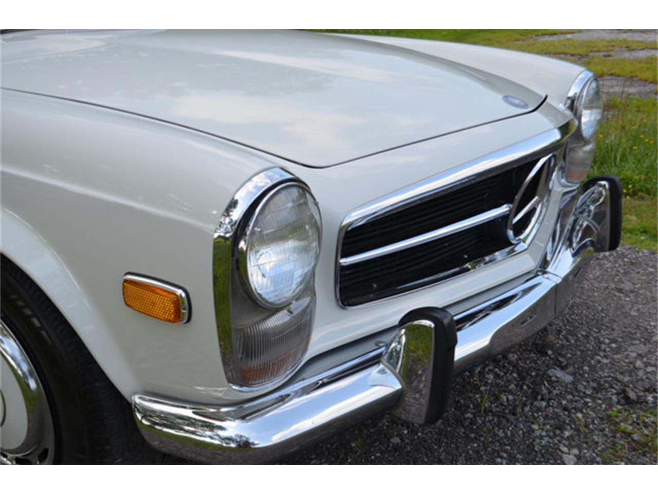 Large Picture of Classic '69 280SL located in Tennessee - $88,500.00 Offered by Frazier Motor Car Company - L3NH