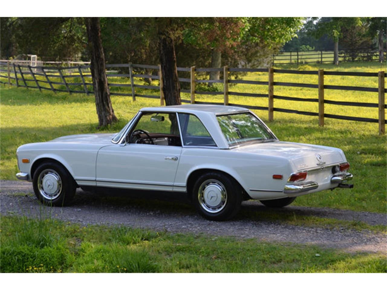 Large Picture of Classic '69 Mercedes-Benz 280SL - $88,500.00 Offered by Frazier Motor Car Company - L3NH