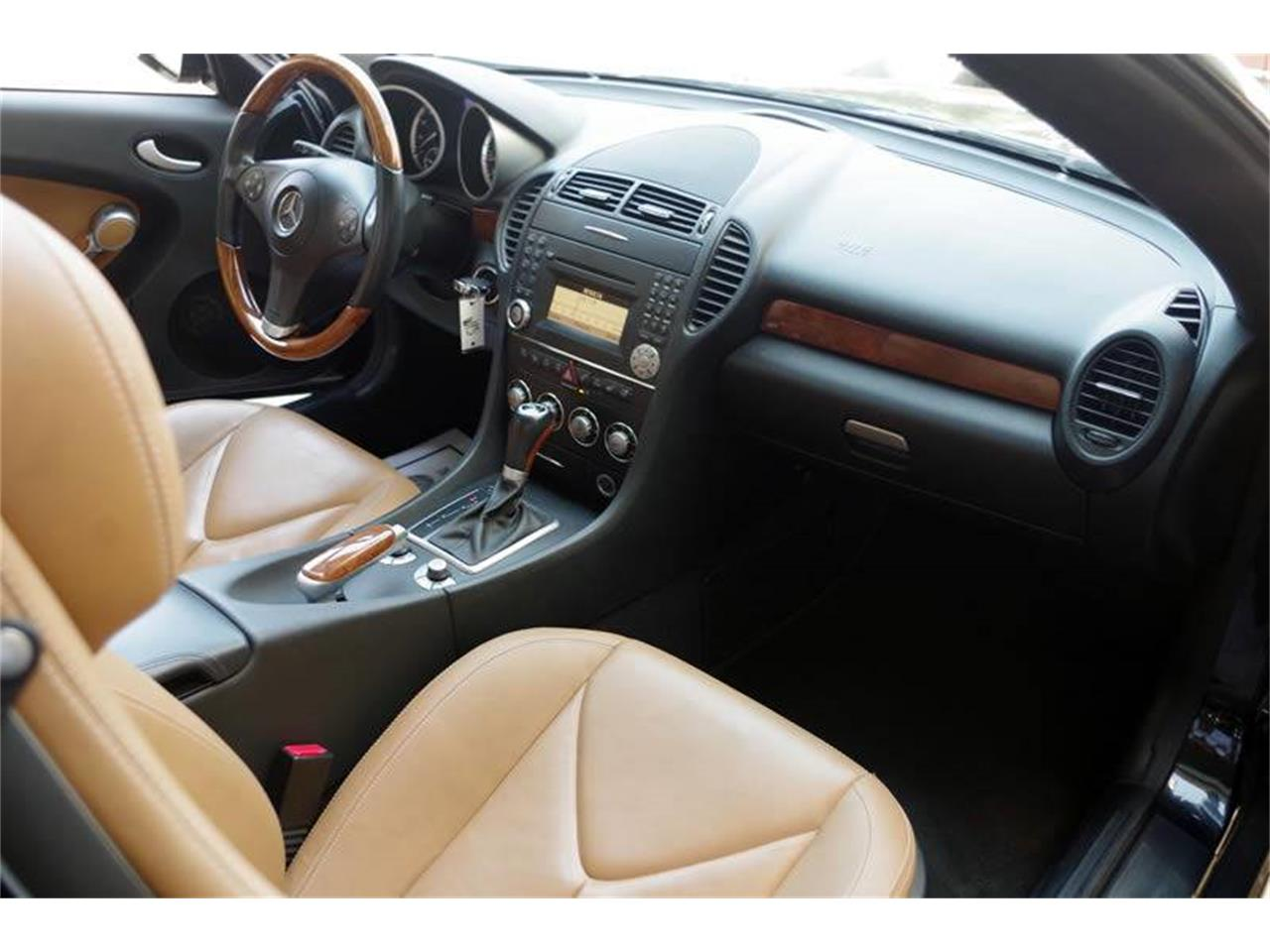 Large Picture of '11 SLK-Class located in Fort Worth Texas - $21,900.00 - L3QE