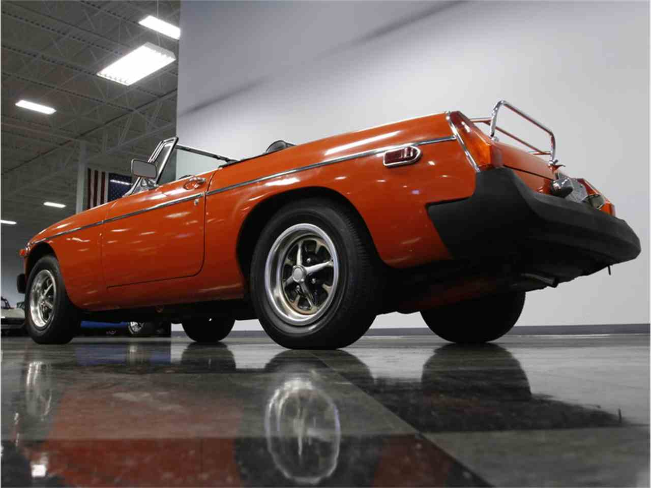 Large Picture of 1974 MGB - L3R9
