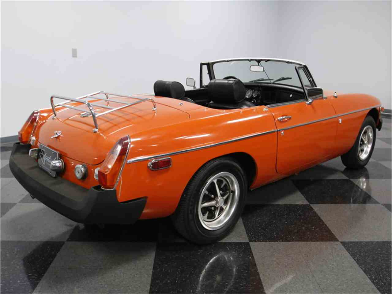 Large Picture of '74 MGB - $7,995.00 Offered by Streetside Classics - Charlotte - L3R9