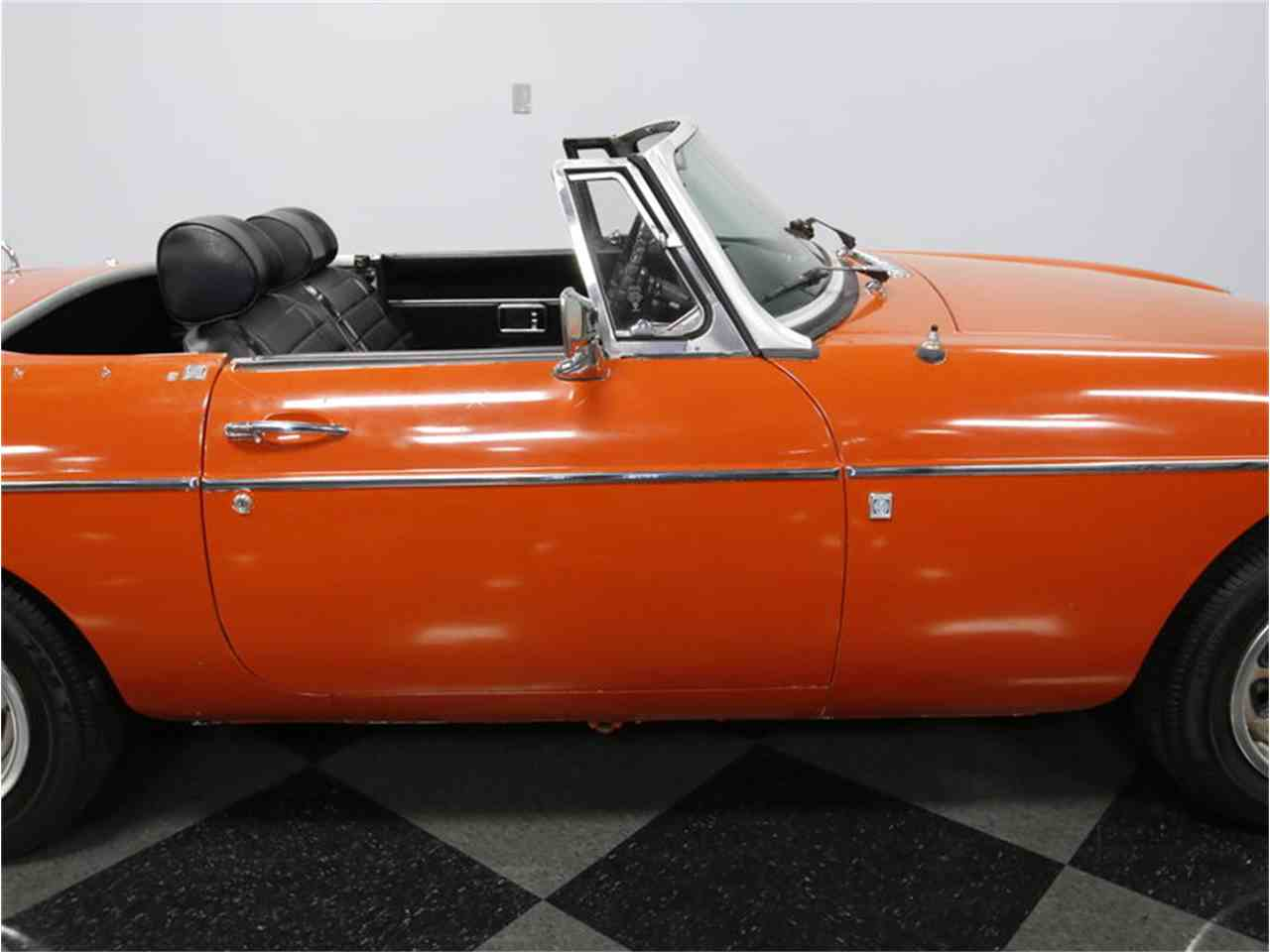 Large Picture of 1974 MG MGB located in North Carolina - $7,995.00 - L3R9