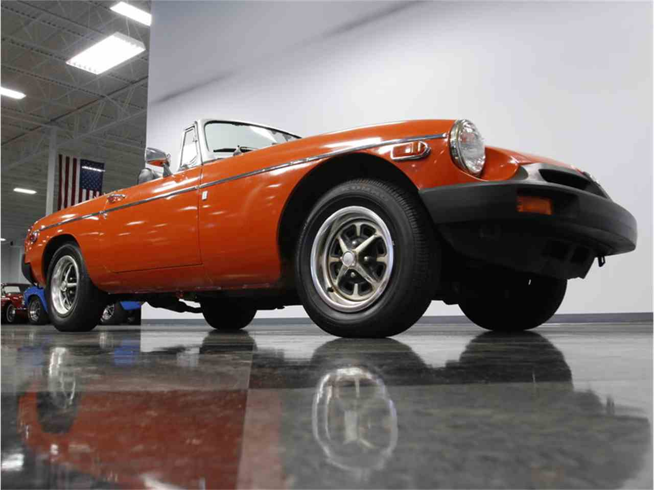 Large Picture of '74 MGB located in Concord North Carolina - L3R9