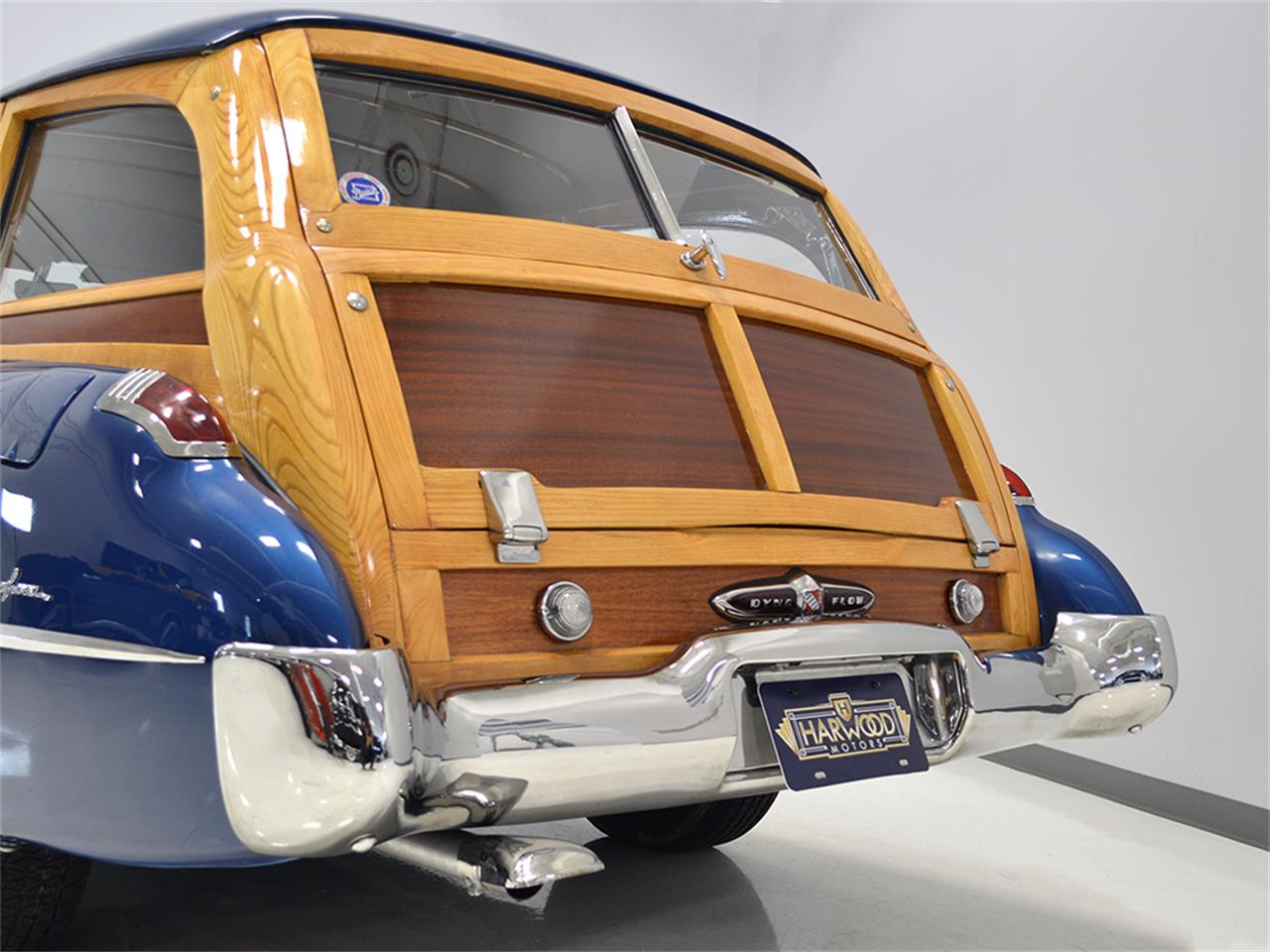 Large Picture of '49 Roadmaster - L3UO