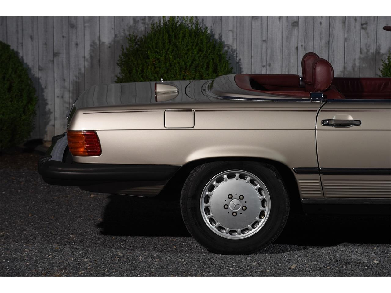 Large Picture of '87 560SL - L3V9