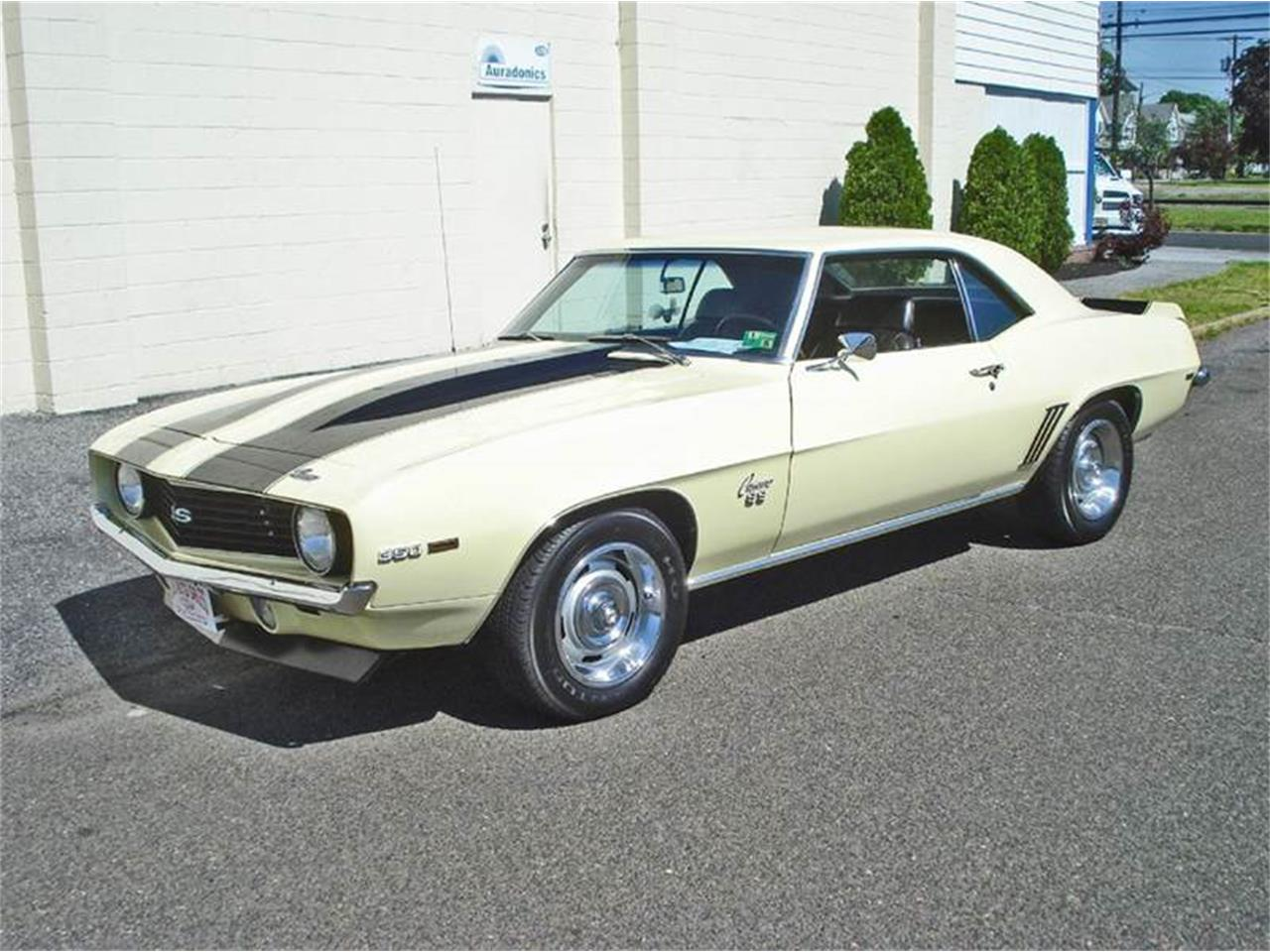 Large Picture of '69 Camaro - L3VY
