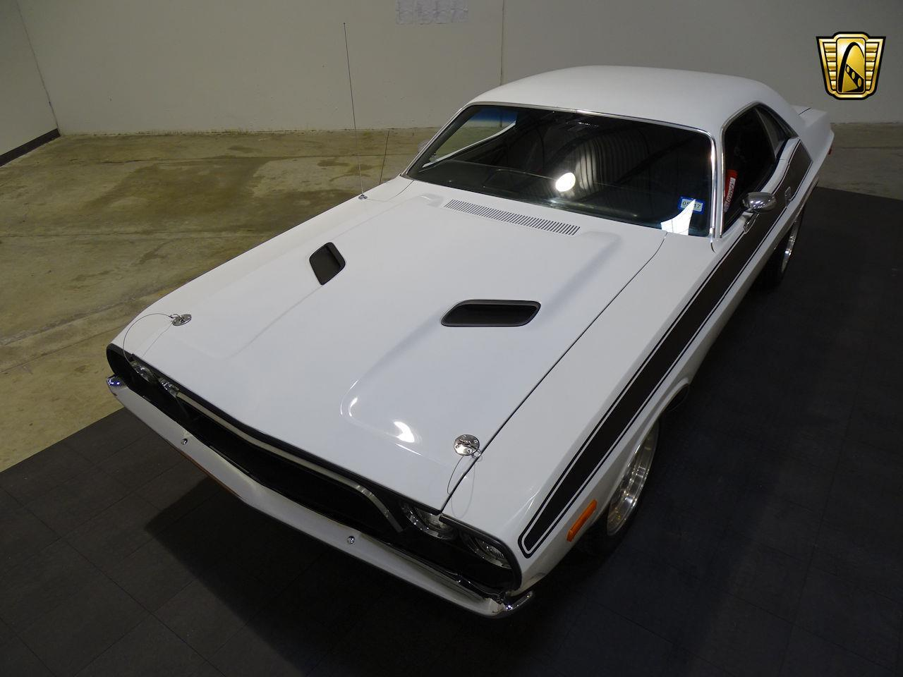 Large Picture of '74 Challenger - L3WD