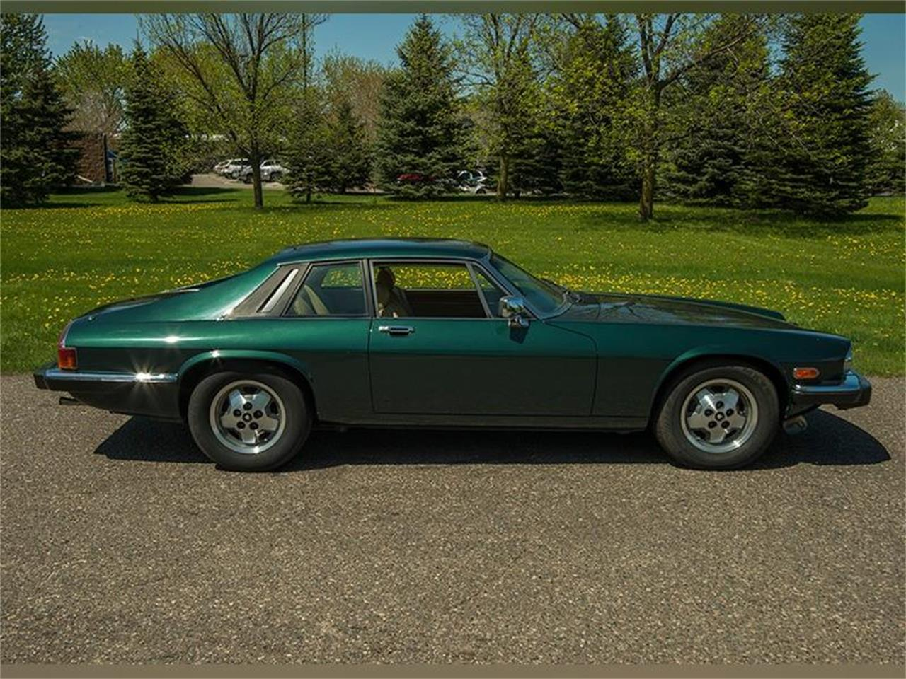 Large Picture of '83 Jaguar XJ located in Rogers Minnesota Offered by Ellingson Motorcars - L3YD