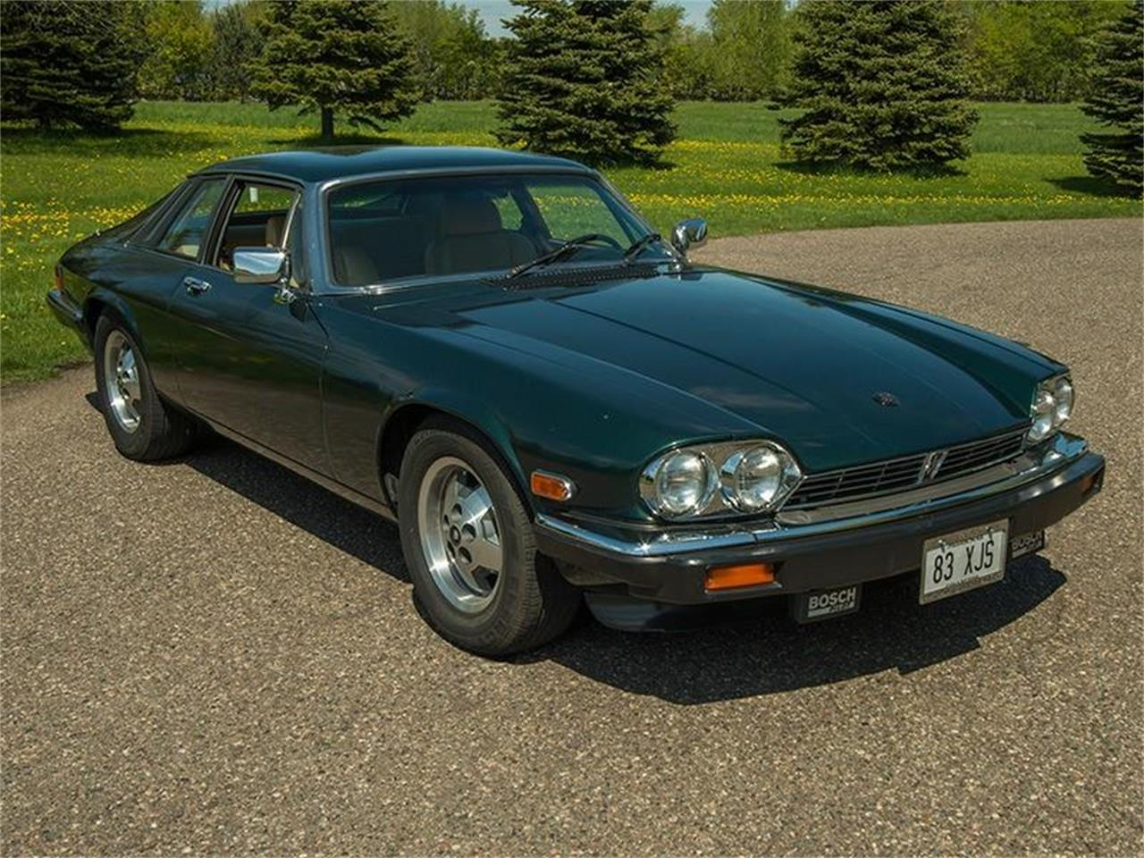 Large Picture of '83 Jaguar XJ located in Rogers Minnesota - $5,995.00 Offered by Ellingson Motorcars - L3YD