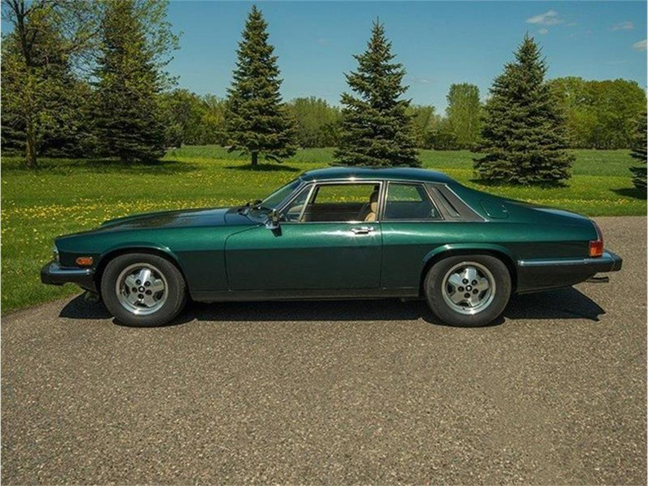 Large Picture of 1983 Jaguar XJ located in Rogers Minnesota - $5,995.00 - L3YD