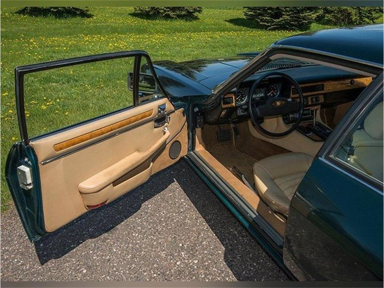 Large Picture of 1983 Jaguar XJ Offered by Ellingson Motorcars - L3YD