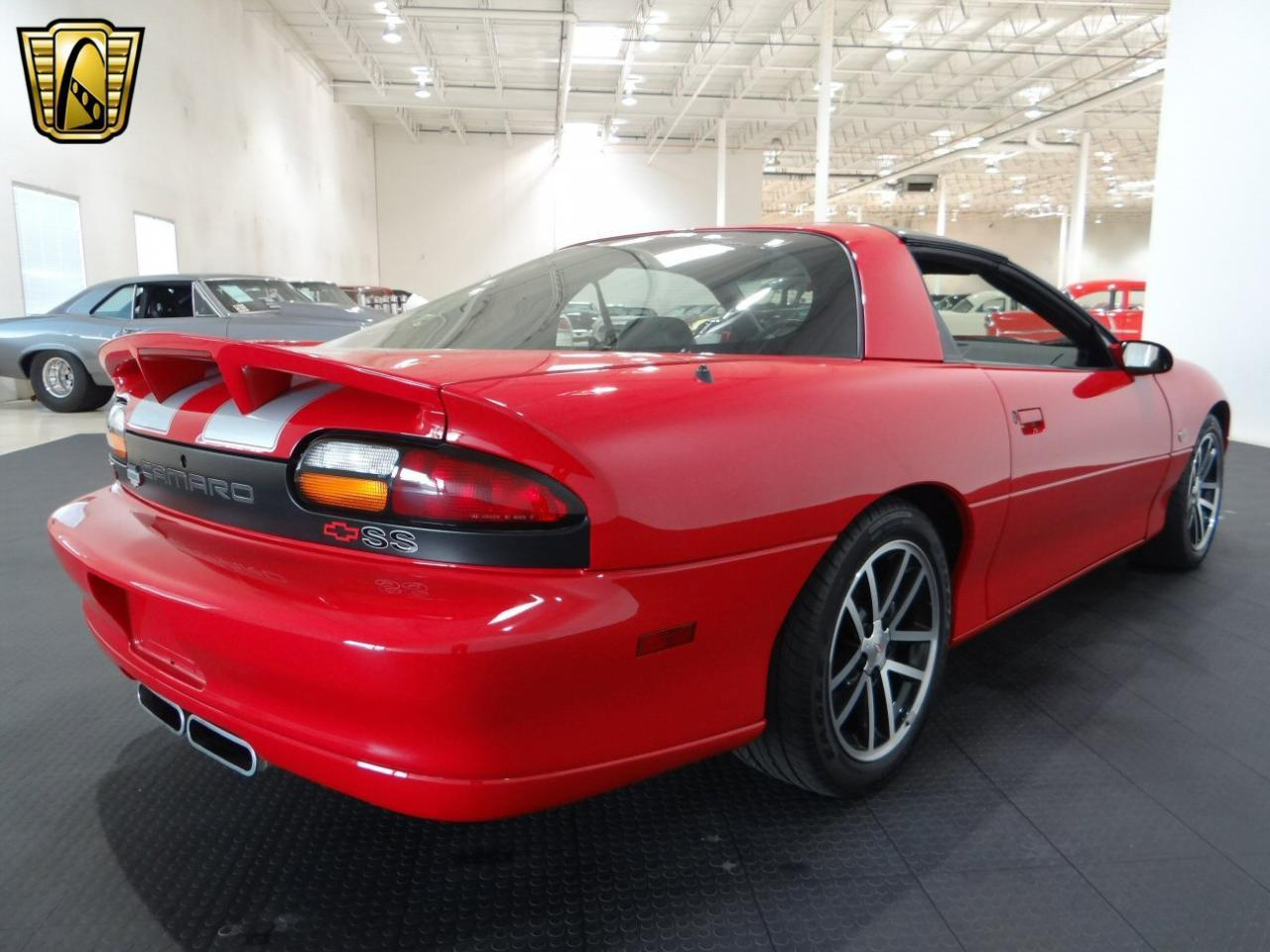 Large Picture of '02 Chevrolet Camaro located in Illinois - L44H