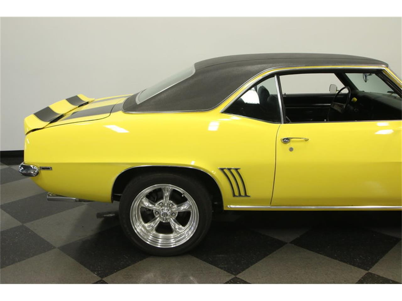 Large Picture of Classic '69 Chevrolet Camaro located in Lutz Florida Offered by Streetside Classics - Tampa - L45U