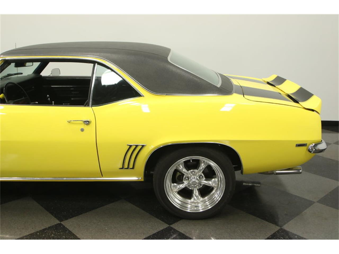 Large Picture of '69 Camaro located in Florida Offered by Streetside Classics - Tampa - L45U