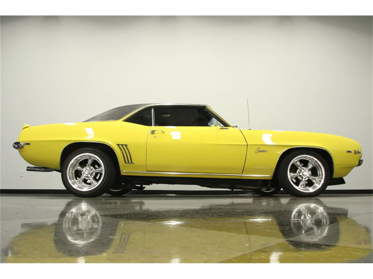 Large Picture of 1969 Camaro located in Florida - $39,995.00 - L45U