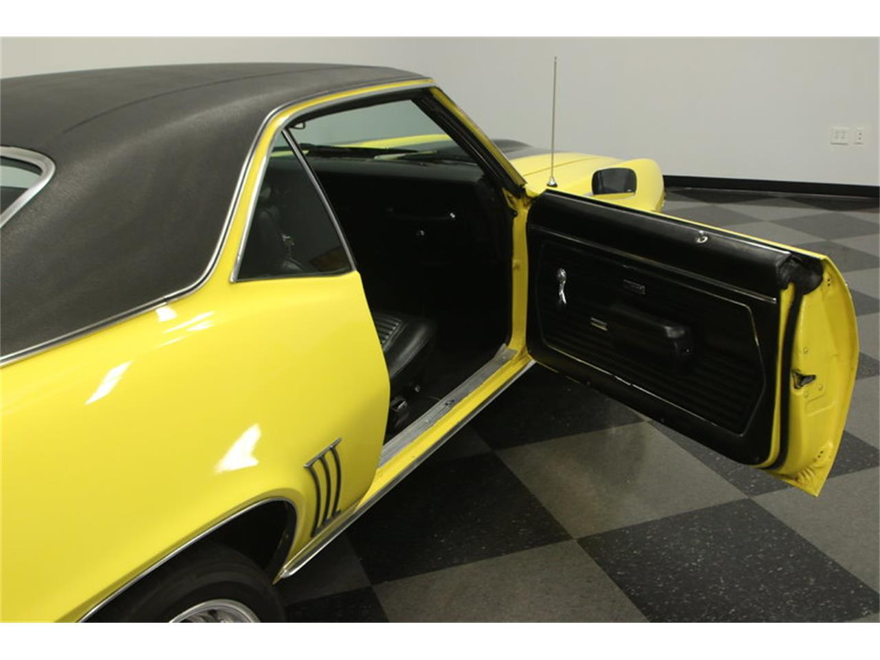 Large Picture of '69 Chevrolet Camaro - $39,995.00 Offered by Streetside Classics - Tampa - L45U