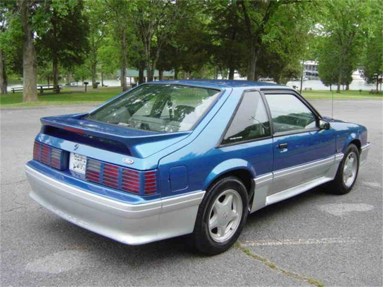 Large Picture of '92 Mustang GT - L46Y