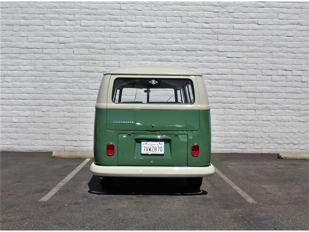 Large Picture of '65 Transporter - L48J