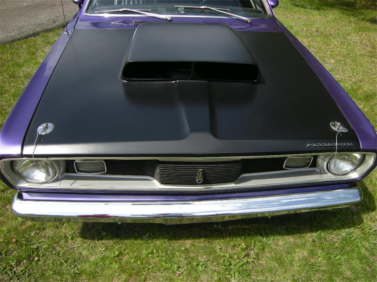 Large Picture of Classic 1971 Plymouth Duster located in Quebec Auction Vehicle Offered by a Private Seller - L4GO