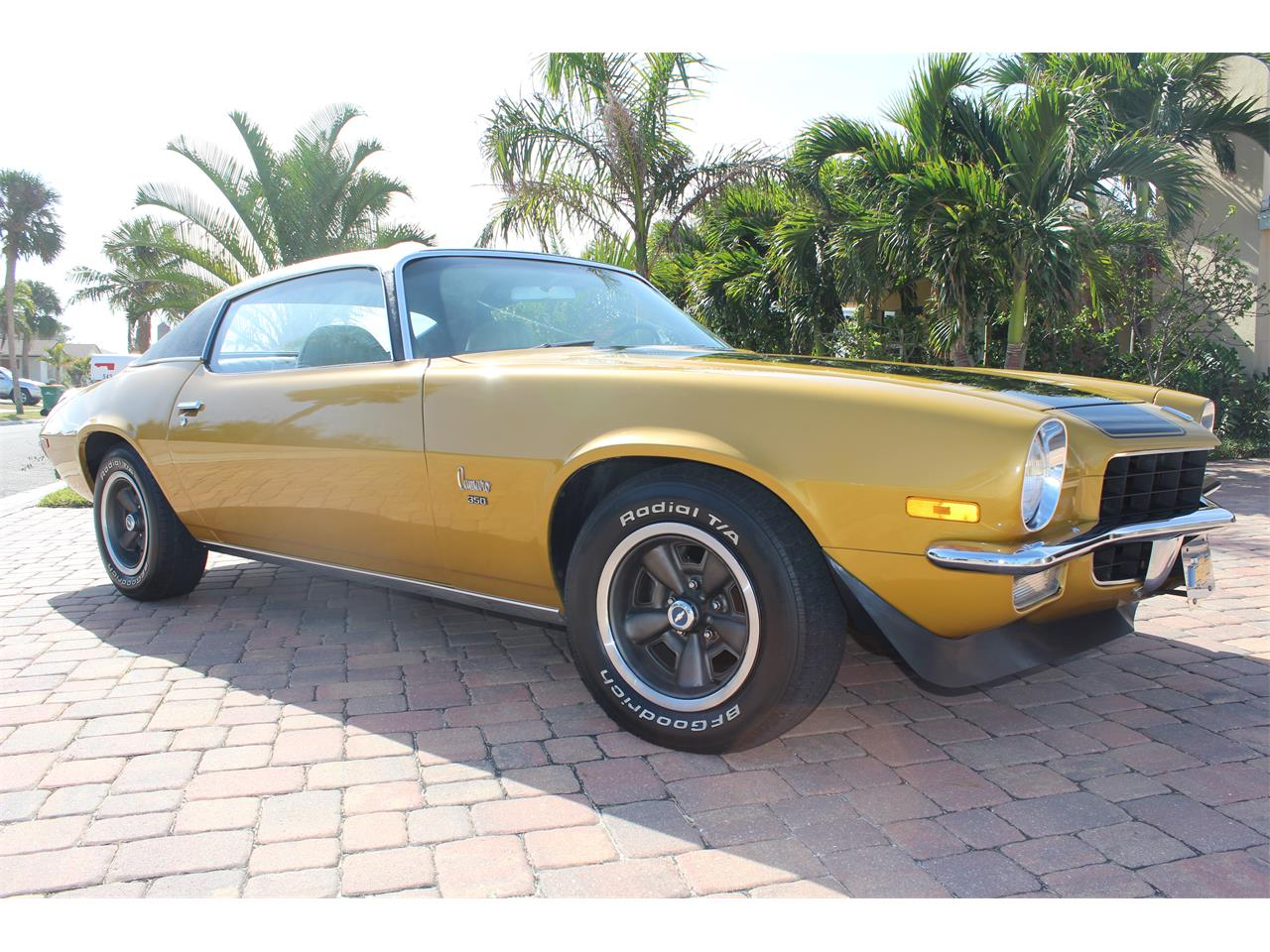 Large Picture of '72 Camaro - L4GR