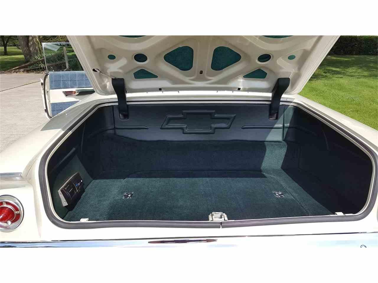 Large Picture of '61 Impala - L4I6