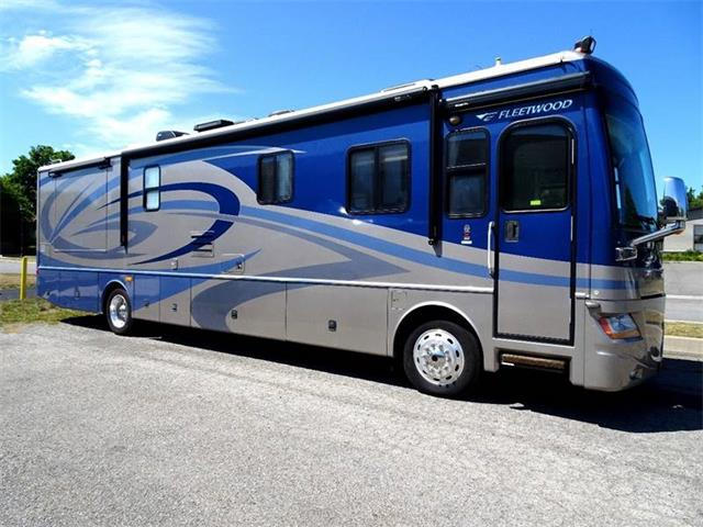Picture of 2007 Fleetwood Discovery located in Hilton New York - $89,500.00 - L51I