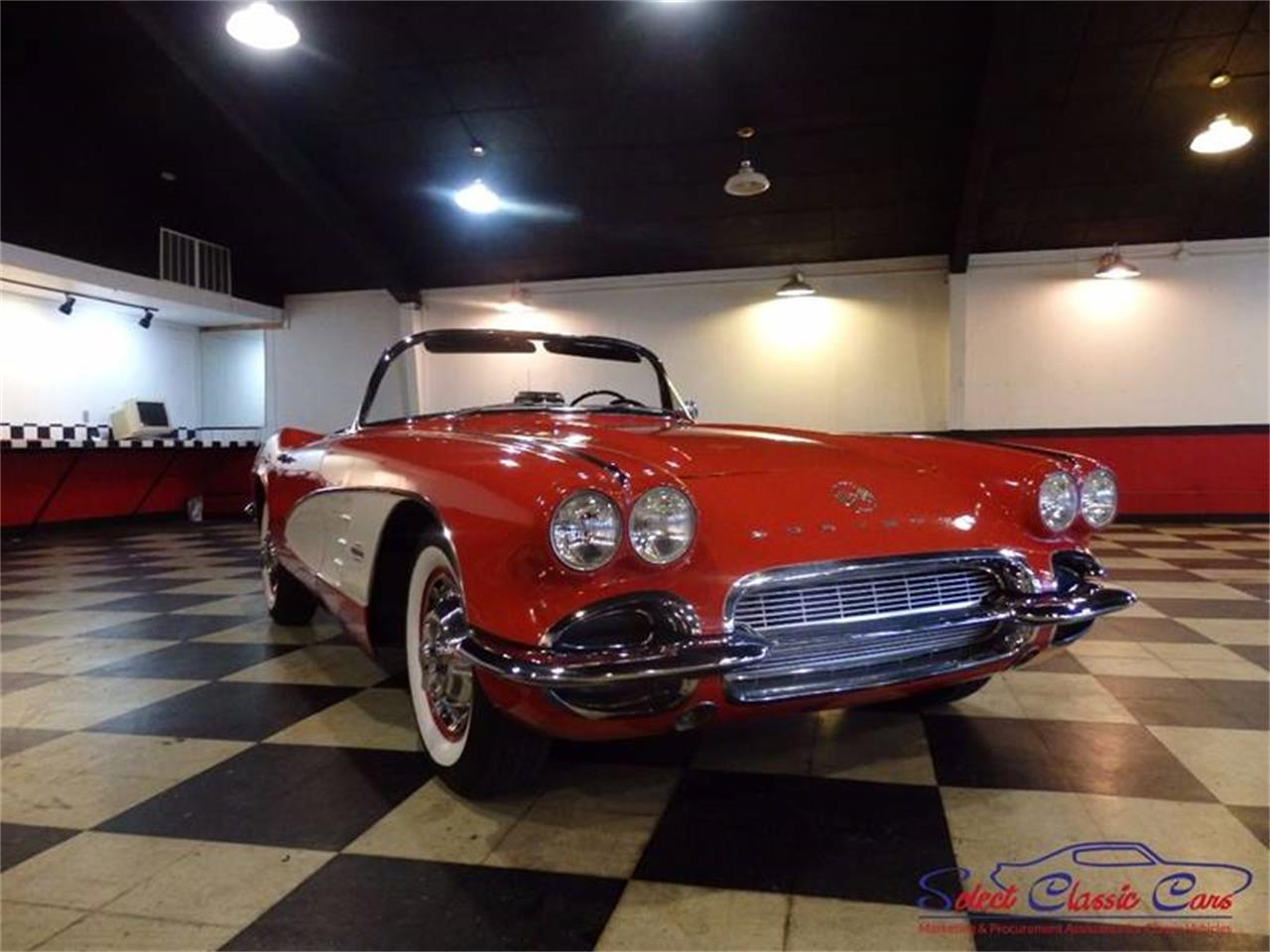 Large Picture of Classic '61 Chevrolet Corvette Offered by Select Classic Cars - L521