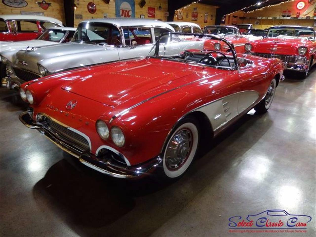 Large Picture of '61 Corvette Offered by Select Classic Cars - L521