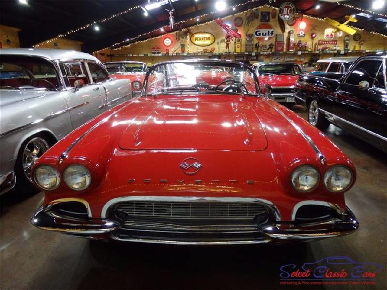 Large Picture of Classic '61 Corvette Offered by Select Classic Cars - L521