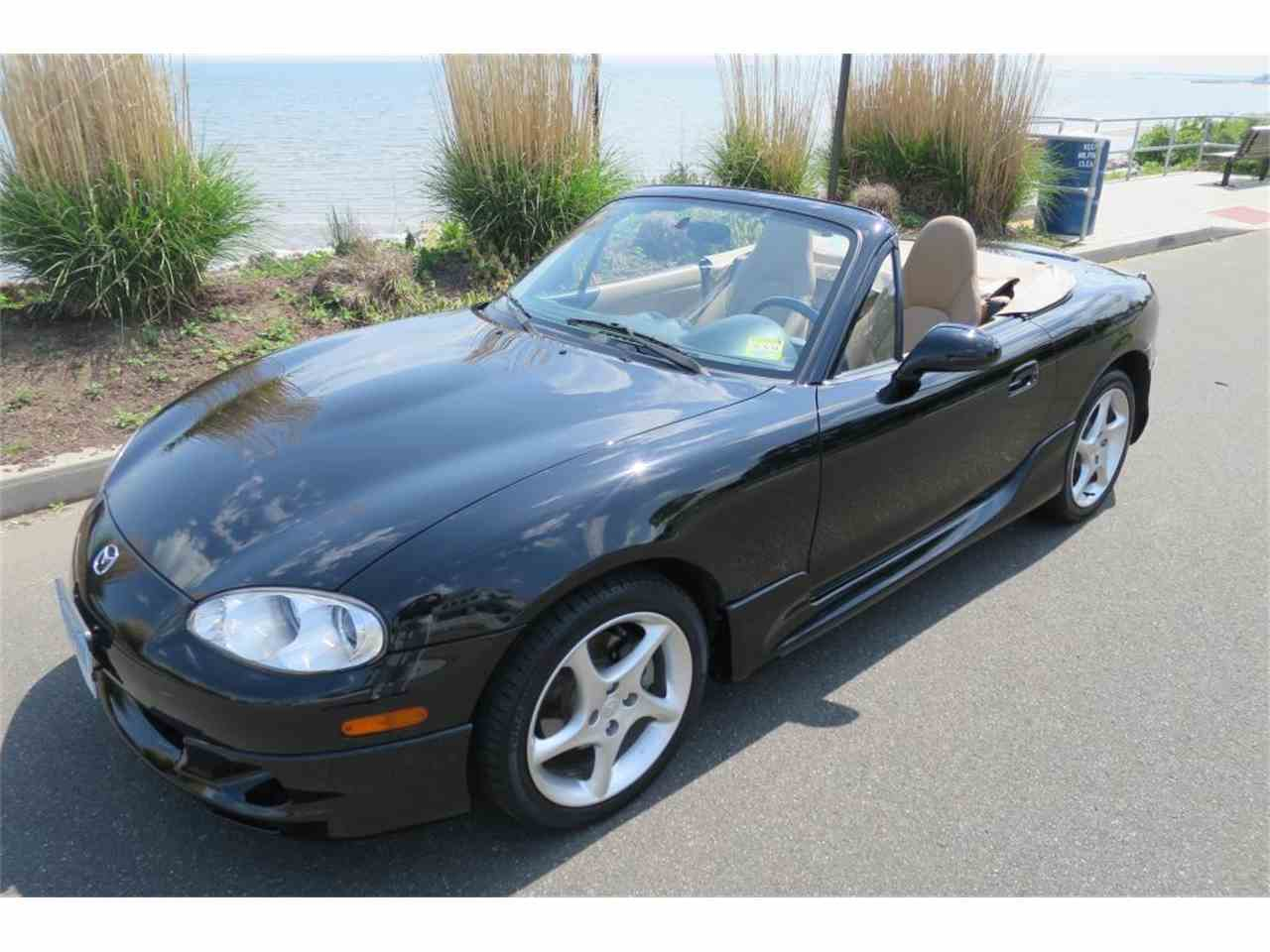 Large Picture of '01 Mazda Miata located in Milford City Connecticut Offered by Napoli Classics - L53H