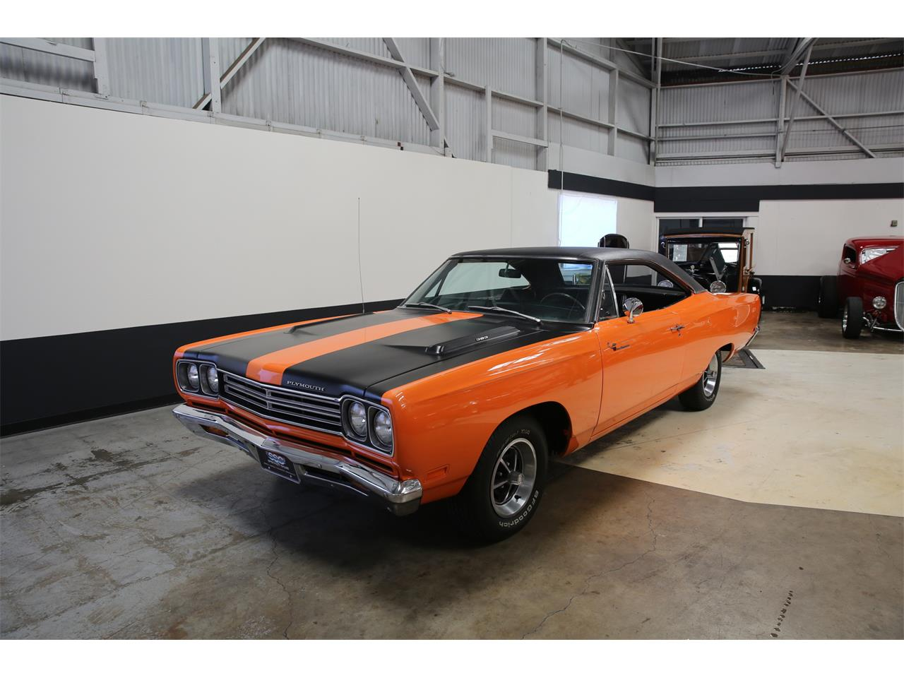 Large Picture of Classic '69 Plymouth Road Runner - L56B