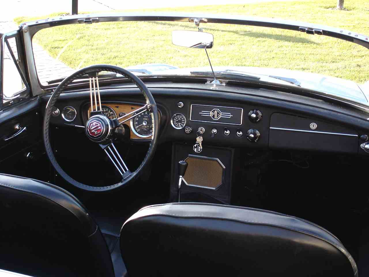 Large Picture of '63 MGB - L56F