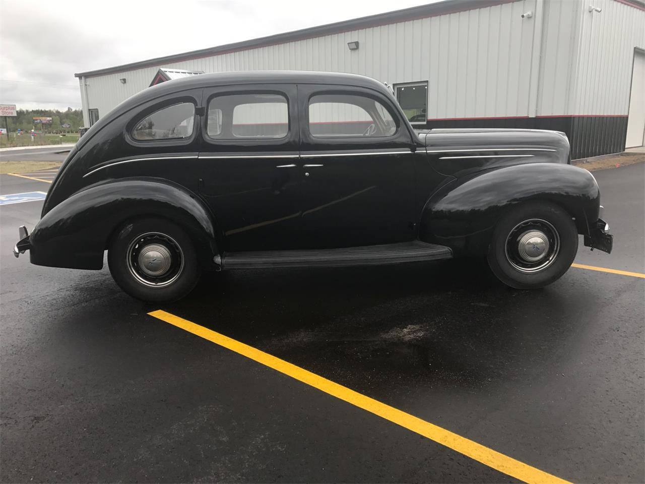 Large Picture of Classic '39 Ford Deluxe located in Minnesota Offered by High Rollers Hot Rods and Classics - L58F