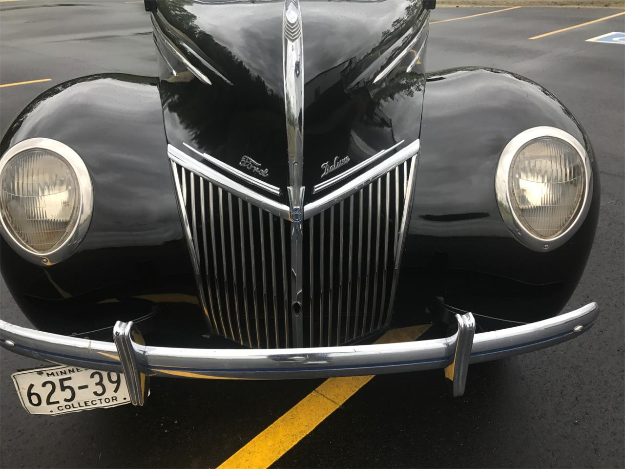 Large Picture of 1939 Deluxe - L58F
