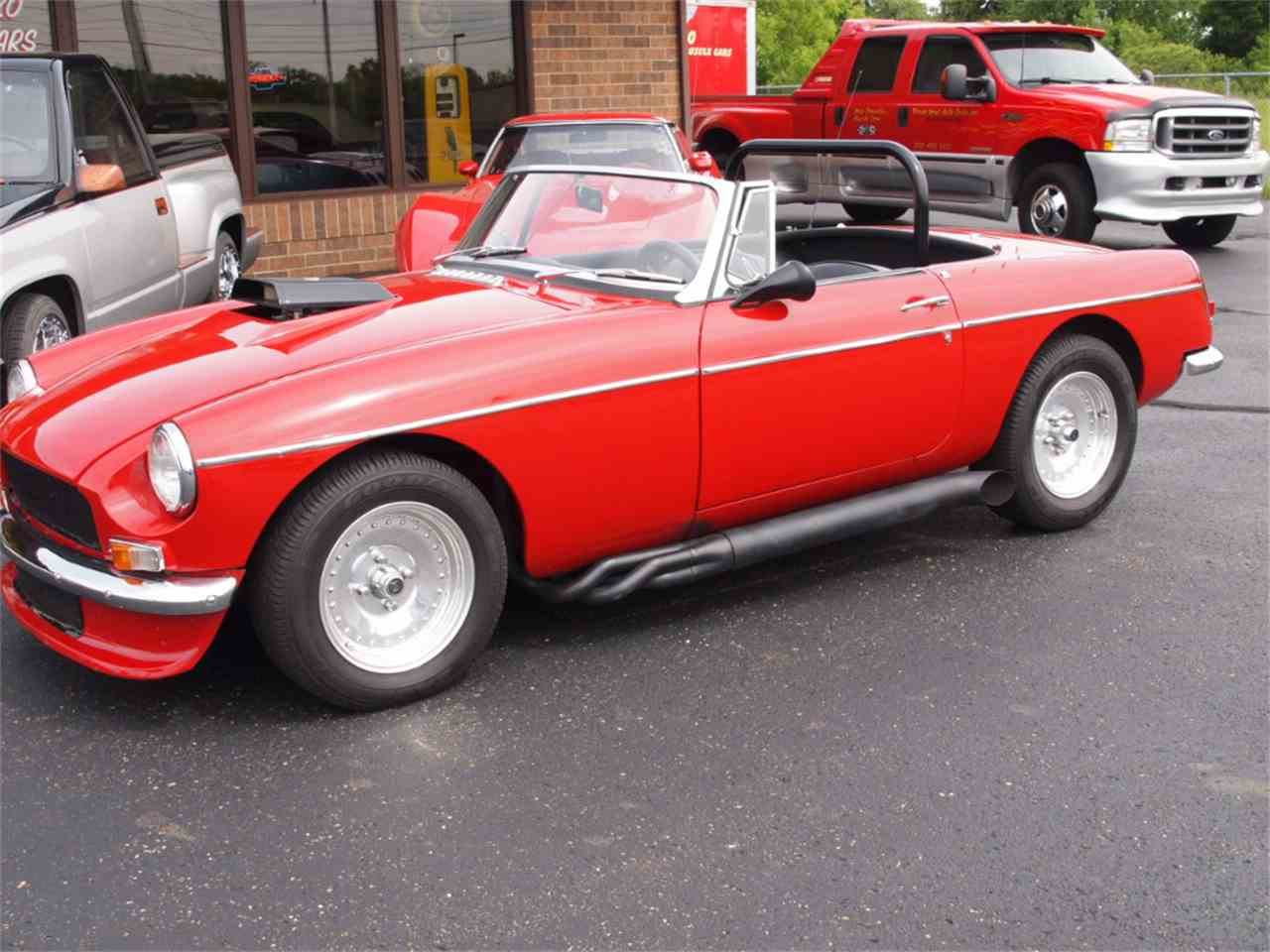 Large Picture of Classic '68 MGB located in North Canton Ohio - L59M