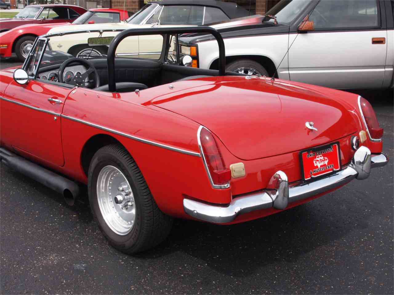 Large Picture of '68 MG MGB - $28,500.00 - L59M